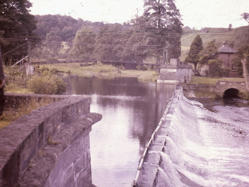 Crumpwood Weir in 1963, showing boards used to increase water head for pumping station. Photo JG Parkinson, by permission Online Transport Archive
